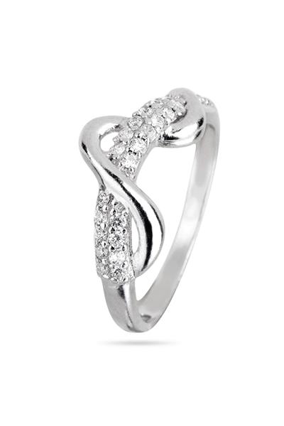 Srebrni prsten s bijelim cirkonima